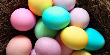 decorating-easter-eggs-blog