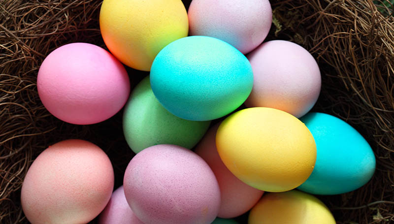 decorating-easter-eggs-blog