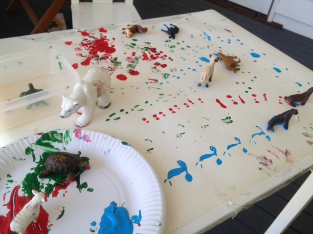 animal-prints-paint-prints-kids-art-preschoolers-art-preschooler-messy-art-messy-paint-kids-messy-art-fun1