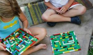 Kids LEGO 2