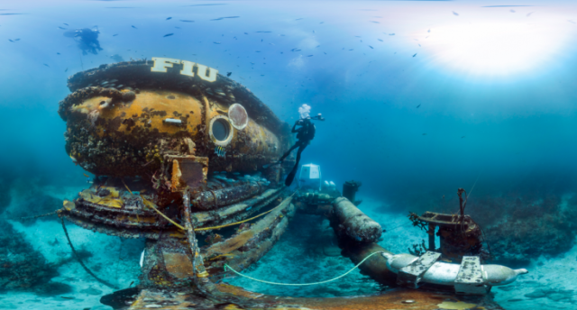 Surveying-the-FIUs-Aquarius-Reefbase-in-the-Florida-Keys-National-Marine-Sanctuary-640x344